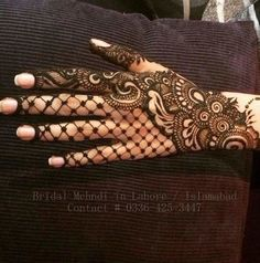 Love this henna design looks soo beautiful and amazing my favourite love it beautiful.