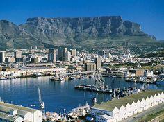 Cidade do Cabo Sul - África do Sul  passear de teleférico os + de mil metros de altitude da Montanha de Mesa.
