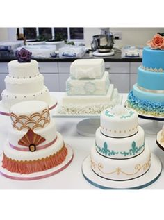 Contemporary Wedding Cake course with Ceri DD Griffiths