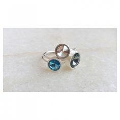 Toque de cor: trio de anéis disco Swarovski. [Compras via direct] #copella #swarovski #anel #prata #design #azul #moda #acessorios