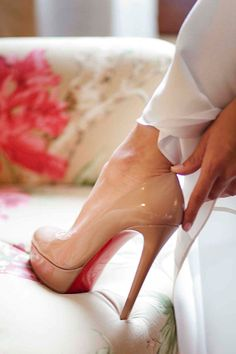 Tacones de infarto nudes, de Christian Louboutin.