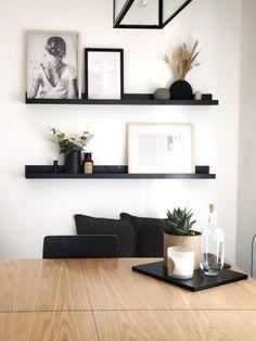 Home Living Room, Living Room Designs, Living Room Decor, Bedroom Decor, Black Wall Shelves, Home And Deco, Home Decor Furniture, Wall Shelf Decor, Room Inspiration