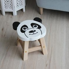 Diy Wooden Projects, Woodworking Projects Diy, Wooden Diy, Wood Crafts, Hand Painted Chairs, Kids Stool, Wood Stool, Wooden Crates, Handmade Home Decor