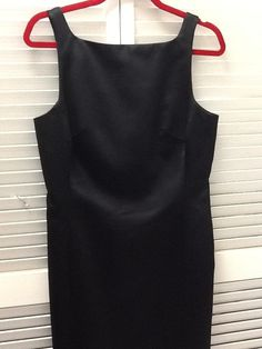 Nicole Miller Classic Cocktail Sz 10 Dress. Free shipping and guaranteed authenticity on Nicole Miller Classic Cocktail Sz 10 Dress at Tradesy. Nicole Miller Black Classic Cocktail Dress Sz 10 c...