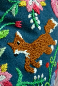 Folky embroidered fox - motleycraft-o-rama: Karin Holmberg Embroidery Patches, Ribbon Embroidery, Cross Stitch Embroidery, Embroidery Patterns, Fabric Crafts, Sewing Crafts, Sewing Projects, Fox Crafts, Textiles