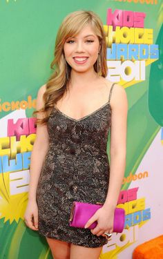 Her character is so cool on ICarly and Sam and Cat. Jennette Mccurdy, Pretty Blonde Hair, Gorgeous Blonde, Icarly And Victorious, Celebrity Photos, Celebrity Style, Kids Awards, Nickelodeon Girls, Sam And Cat