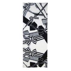 【昭和カワイイのカリスマ】デザイナー・中原淳一の特別コーナーがキデイランドに登場! 普段は手に入りづらいグッズもズラリ♪ | Pouch[ポーチ] Retro Pop, Japanese Culture, Washing Clothes, Hand Towels, Art Nouveau, Steampunk, Graphic Design, Deco, Antiques
