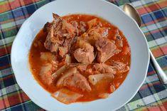 Varza rosie calita simpla sau cu mere | Savori Urbane Romanian Food, Pot Roast, Thai Red Curry, Carne, Cooking Recipes, Ethnic Recipes, Soups, Pork, Carne Asada