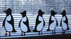 Pingviinit.silkkipaperi ja kartonki.