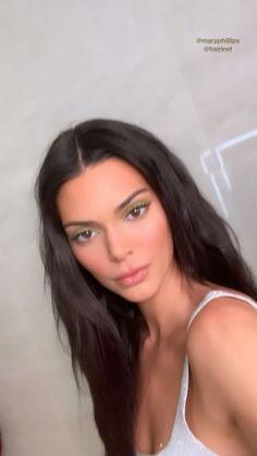 Kendall Jenner – My World Short Dark Hair, Short Hair Wigs, Short Hair Styles, Maquillage Kendall Jenner, Kendall Jenner Video, Kendall Jenner Short Hair, Kendall Jenner Makeup, Estilo Jenner, Stylish Short Hair