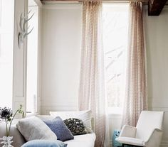 If You Gravitate to Neutrals… | Living in an apartment, or in an older home with tiny rooms, can present a challenge: how to make your limited space seem larger. Try these easy home-decorating ideas.