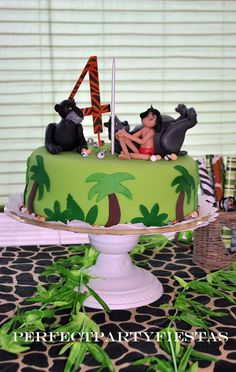 The Jungle Book Cake is a Nostalgic Disney Sweet Book cakes