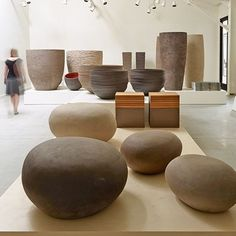 With their clean lines and unique textures, Atelier Vierkant's large clay pots have become the savvy landscape designer's go-to choice Architectural Digest, Big Picture, Landscape Design, Bean Bag Chair, Outdoor Furniture, Architecture, Table, Pictures, Showroom