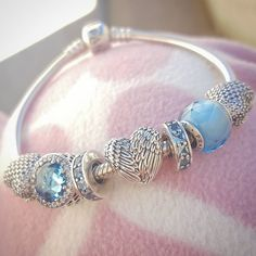 We're looking forward to the beautiful blues of summer skies, and this bracelet is inspiring us to plan ahead! #PANDORATexas #PANDORAbracelet