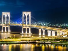 https://flic.kr/p/pLbuWr   西灣夜色 Ponte de Sai Van   OLYMPUS OM-D EM-5 + 75mm f1.8 西灣大橋, 澳門 (Sai Van Bridge, Macau)