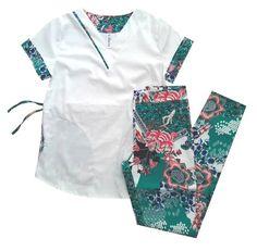 Ambo Onna Print Cute Scrubs Uniform, Cute Nursing Scrubs, Nursing Clothes, Doula, Dental Uniforms, Scrubs Pattern, Stylish Scrubs, Greys Anatomy Scrubs, Medical Scrubs