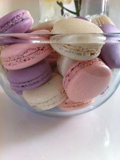 Bonjour, Comme vous le savez, je suis une grande fan de macarons. J'en réalise presque tout les jours. Auparavant je faisais des macarons à la meringue française mais j'avoue que depuis que j'ai essayé les macarons à la meringue italienne, j'ai décidé...
