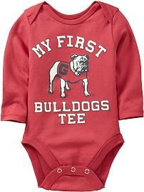 I have got to get one of these... my boyfriend is a huge Georgia fan and he would love to see our daughter in this!