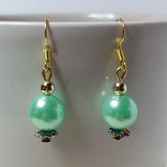 #earrings#goldplated#jewellery#giftforher#gift#matchingearring#acrylicpearlbead#handmade#acrylicbeads#iridescent#lightgreen#green#gold#multicoloured#copper#spring#summer#beads#pearl#multicolour#golden#party#dangle#