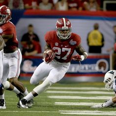 alabamafbl's photo: Derrick Henry rumbles in for a 1st-half TD vs. W.Va. #RollTide #BuiltByBama #WVUvsBAMA