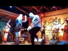 Parno Graszt - Oláh Gergő táncol a paszabiak koncertjén - YouTube World Music, Wrestling, Concert, Hungary, Gypsy, Youtube, Musica, Lucha Libre, Concerts