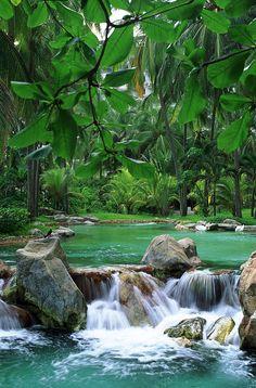 Mexico: Acapulco Waterfall