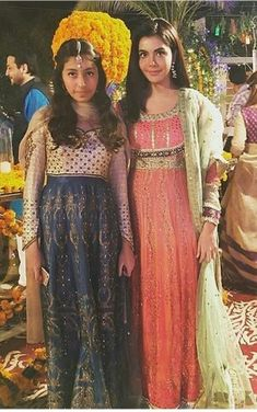 Nida yasir with daughter sila Nida Yasir, Celebrity Pictures, Pakistani, Daughter, Bohemian, Actors, Celebrities, Casual, Photography