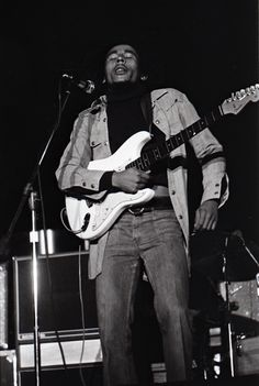 **The Wailers** Paul's Mall, Boston, MA, USA, July 11-14, 1973. Bob's first performances in USA, playing 2 shows per night. For listening: https://www.mixcloud.com/midnightraverblog/the-wailerspauls-mallboston11-july-1973. More fantastic pictures, music and videos of *The Wailing Wailers/The Wailers→'74/Bob Marley&The Wailers & Robert Nesta Bob Marley* on: https://de.pinterest.com/ReggaeHeart/ ©Jeff Albertson