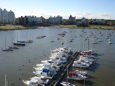 Vista del Puerto del Buceo desde el Yacht Club Uruguayo, Rambla Armenia, Montevideo. Uruguay.