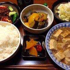 こんばんは。  麻婆豆腐、ラタトゥイユ、ザワークラウト、生野菜、漬物、ご飯、麦茶。  以上です。 - 10件のもぐもぐ - 晩ご飯 by ten.g
