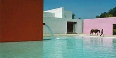 In the collective unconscious, minimal architecture is made of squared volumes with neutral shades, from white to beige and from gray to black. But where are all the colors?  Probably, they all hide in the creations of Luis Barragán, the Mexican architect who started his research about color use in his studio-house in Mexico …