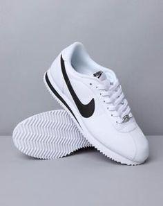 Nike | Minimal   Chic | CO DE   / F_ORM