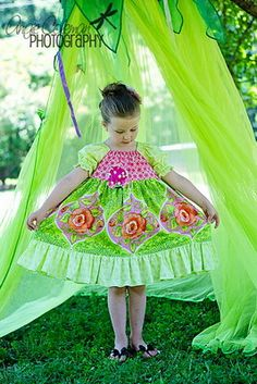Little Girls Dress Peasant Country Chic * Craftori Handmade * Girls Easter Dresses, Little Girl Outfits, Little Girl Dresses, Little Girls, Kids Outfits, Girls Dresses, Plaid Outfits, Boys And Girls Clothes, Stylish Dresses For Girls