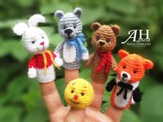 Crochet Teddy, Crochet Dolls, Crochet Baby, Pencil Topper Crafts, Finger Puppet Patterns, Felt Finger Puppets, Crochet Wedding, Crochet For Kids, Crochet Projects