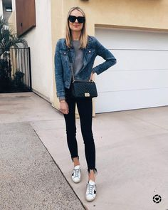 Fashion Jackson Daily Look Jean Jacket Outfits, Denim Jacket Fashion, Jacket Style, Jeans Fashion, Black Jeans Outfit, Denim Outfit, Jeans And Sneakers Outfit, Looks Jeans, Amy Jackson