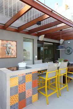 Terrazas de estilo por mandril arquitetura e interiores Outdoor Kitchen Design, Patio Design, Outdoor Kitchens, Outdoor Cooking, Outdoor Spaces, Outdoor Living, Outdoor Decor, Outdoor Patios, Outdoor Sheds