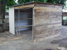 Back Yard Dog Kennel Ideas | Dog Kennel Coop made from pallets. Someone gave me a FREE dog kennel.