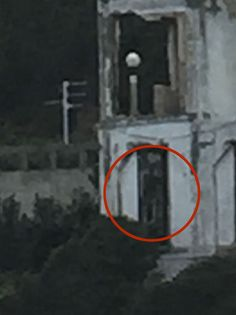 Photos of 1000 images about shadow on shadow - 1000 images about scary real ghosts and paranormal on Real Ghost Pictures, Ghost Images, Ghost Photos, Creepy Pictures, Best Ghost Stories, Scary Stories, Most Haunted, Haunted Places, Haunted Houses