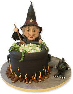 Torta di Halloween tridimensionale con strega e calderone