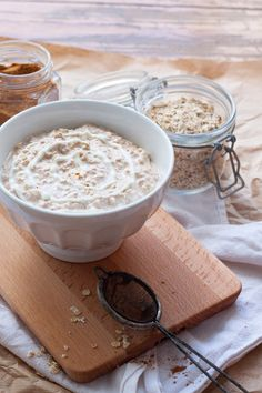 Cinnamon Roll Overnight Oats – Wie Zimtschnecken zum Löffeln – Kochkarussell - Lo Que Necesitas Saber Para Una Vida Saludable Oats Recipes, Sweet Recipes, Healthy Recipes, Breakfast Desayunos, Breakfast Recipes, Overnight Breakfast, Banana Overnight Oats, Health Desserts, Cinnamon Rolls