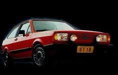 Atual carro mais vendido do Brasil, o Volkswagen Gol tem em sua primeira geração um modelo que já virou clássico. Tanto as versões com motor a ar quanto aquelas com motor a água viram ouro no mercado de usados — algumas unidades do primeiro Gol GTS (foto) e GTI valem uma pequena fortuna   http://noticias.r7.com/carros/fotos/veja-20-carros-nacionais-do-passado-que-ainda-bombam-nas-ruas-de-hoje-20130315-6.html#fotos