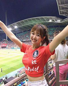 Hot Football Fans, Football Girls, Soccer Fans, Soccer World, Female Football, Girls Soccer, Liverpool Football Tickets, Liverpool Girls, Liverpool Fc
