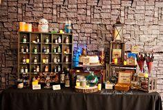 Harry Potter themed birthday party with SO MANY AWESOME IDEAS via Kara's Party Ideas! full of decorating ideas, desserts, cakes, recipes, fa. Harry Potter Fiesta, Deco Harry Potter, Theme Harry Potter, Harry Potter Houses, Harry Potter Hermione, Harry Potter Birthday, Halloween Party Themes, Birthday Party Themes, Birthday Kids