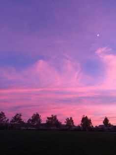 low cost healthy recipes for two people kids pictures Sky Aesthetic, Purple Aesthetic, Aesthetic Photo, Pretty Sky, Beautiful Sunset, Lilac Sky, Sunset Sky, Forest Sunset, Belle Photo