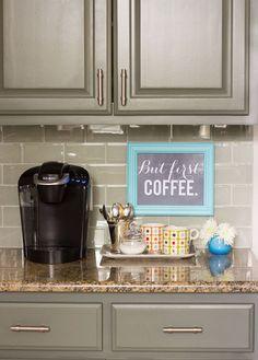 Michelle - Blog #Coffee #Station Fonte : http://www.designimprovised.com/2014/02/coffee-bar.html?utm_source=feedburner&utm_medium=feed&utm_campaign=Feed:+DesignImprovised+(Design+Improvised)
