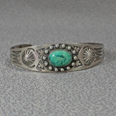 Sterling  bracelet  Navajo Old Pawn Fred Harvey era turquoise  stone,A-28-2