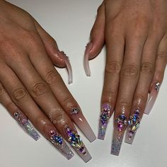 What Christmas manicure to choose for a festive mood - My Nails Bling Acrylic Nails, Drip Nails, Aycrlic Nails, Best Acrylic Nails, Glam Nails, Bling Nails, Love Nails, Pretty Nails, Stiletto Nails
