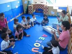 Einstein, Music Class, Teaching Music, Music Lessons, Poker Table, Montessori, Musicals, Basketball Court, Videos
