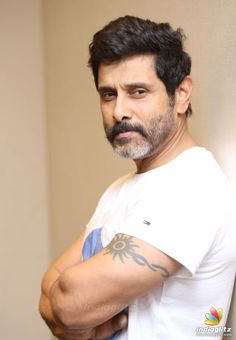 Sree Actors Images, Hd Images, Hipster Haircuts For Men, Sun Tattoo Designs, Beard Haircut, Actor Photo, Indian Movies, Indian Celebrities, Telugu Movies
