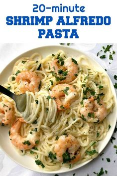 20-Minute Shrimp Alfredo Pasta, a delicious dinner recipe for the whole family. Creamy, garlicky, ridculously easy to make, this dish is the perfect comfort food no matter the season. Also, a fabulous dinner recipe if you are looking for a romantic meal for two. #pasta, #shrimpalfredopasta, #alfredosauce, #dinnerrecipes , #30minutemeals Easy Romantic Dinner, Romantic Dinner Recipes, Shrimp Recipes For Dinner, Romantic Meals, Delicious Dinner Recipes, Seafood Recipes, Pasta Recipes, Cooking Recipes, Healthy Recipes